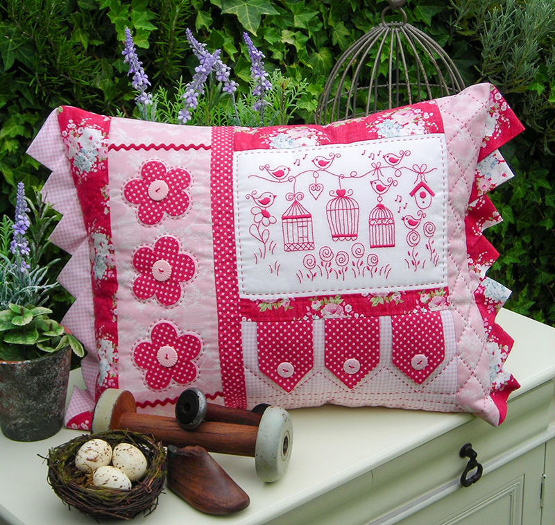 Sally Giblin Rivendale Collection BRIAR BIRDS Sewing Quilting Cushion Pattern