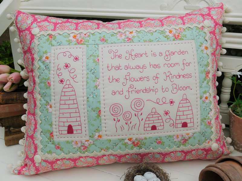 Quilting Sewing Cushion Pattern FLOWERS OF KINDNESS Sally Giblin Rivendale Collection NEW
