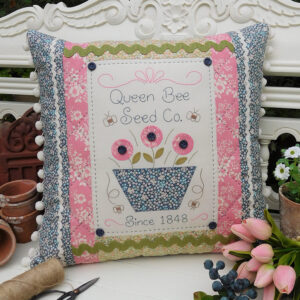 Quilting Sewing Cushion Pattern QUEEN BEE Sally Giblin The Rivendale Collection NEW