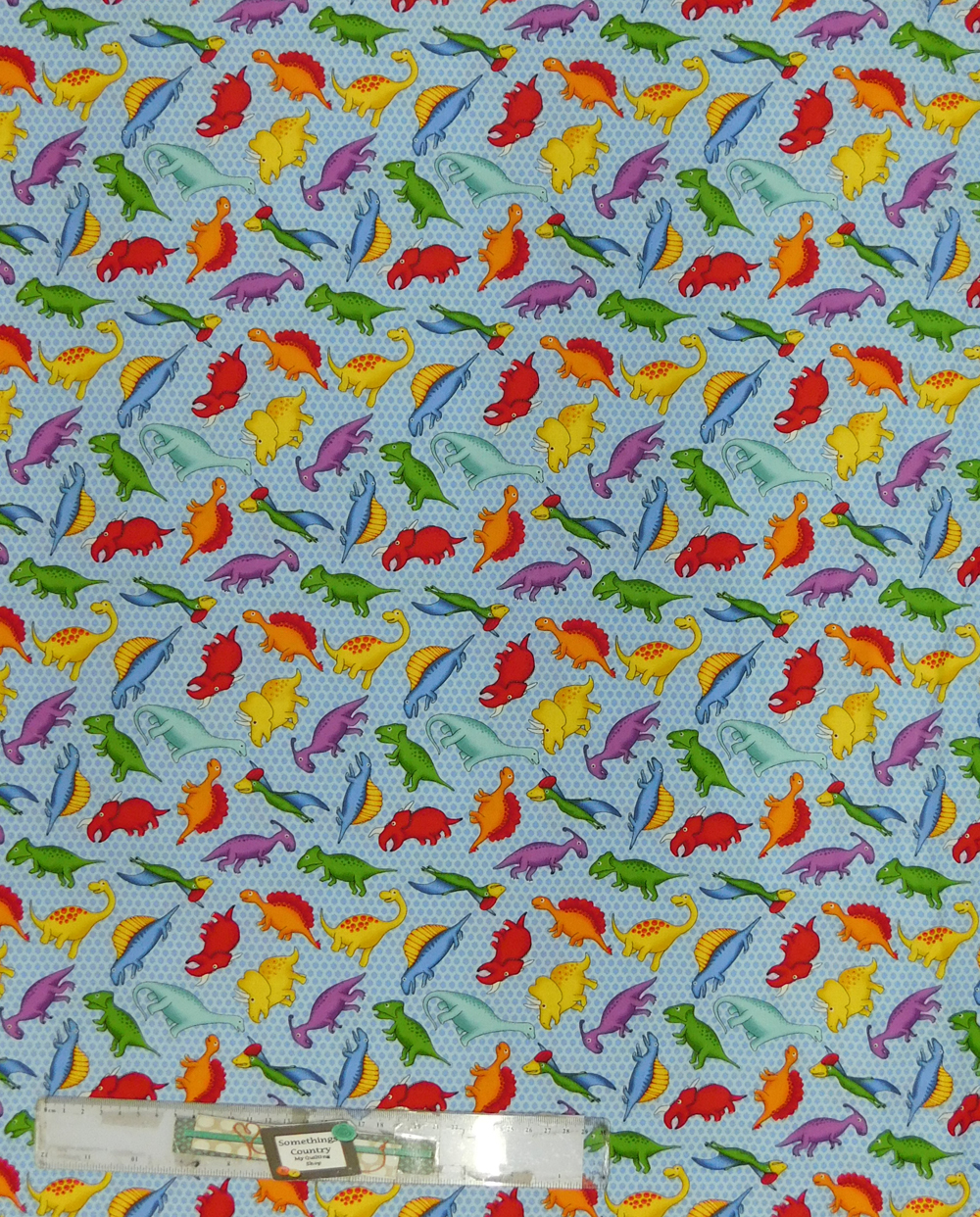 Quilting Patchwork Sewing Fabric DINOSAURS ON BLUE Cotton Material 50x55cm FQ NEW