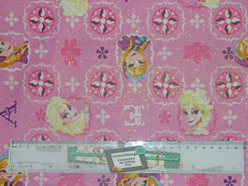 Patchwork Quilting Sewing Fabric FROZEN PINK GLITTER ANNA & ELSA 50x55cm FQ New