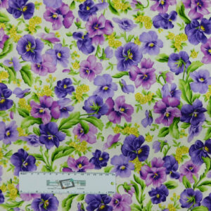Patchwork Quilting Sewing Fabric EMMAS GARDEN PANSY 50x55cm FQ New