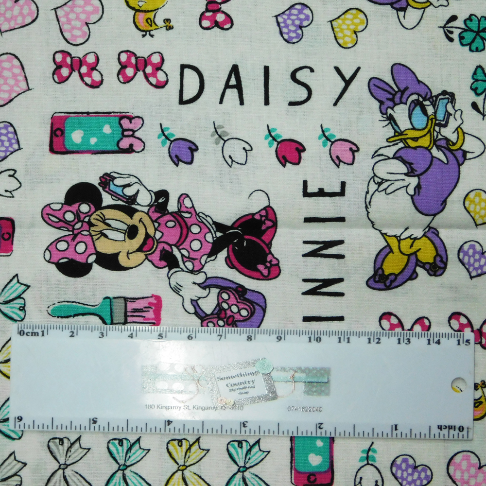 Patchwork Quilting Sewing Fabric Minnie Mouse And Daisy Duck 50x55cm