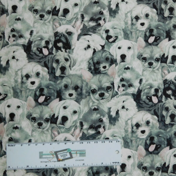 Patchwork Quilting Sewing Fabric MY PET FAMILY DOGS 50x55cm FQ New