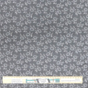 Patchwork Quilting Sewing Fabric GREY FLORAL 50x55cm FQ New