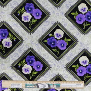 Quilting Patchwork Sewing Fabric PANSIES SQUARES Allover Material 50x55cm FQ