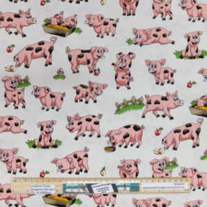 Patchwork Quilting Sewing Fabric Farm Fun Pigs 50x55cm FQ Material