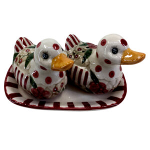 Collectable Novelty Kitchen Dining Ducks on Plate Salt and Pepper Set