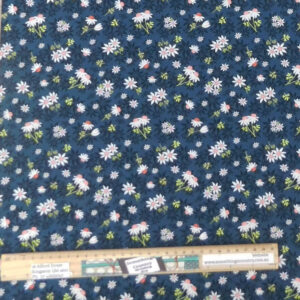 Quilting Patchwork Sewing Fabric Mallee Daisys Allover 50x55cm FQ