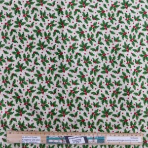 Quilting Patchwork Fabric Old Christmas Holly Allover 50x55cm FQ