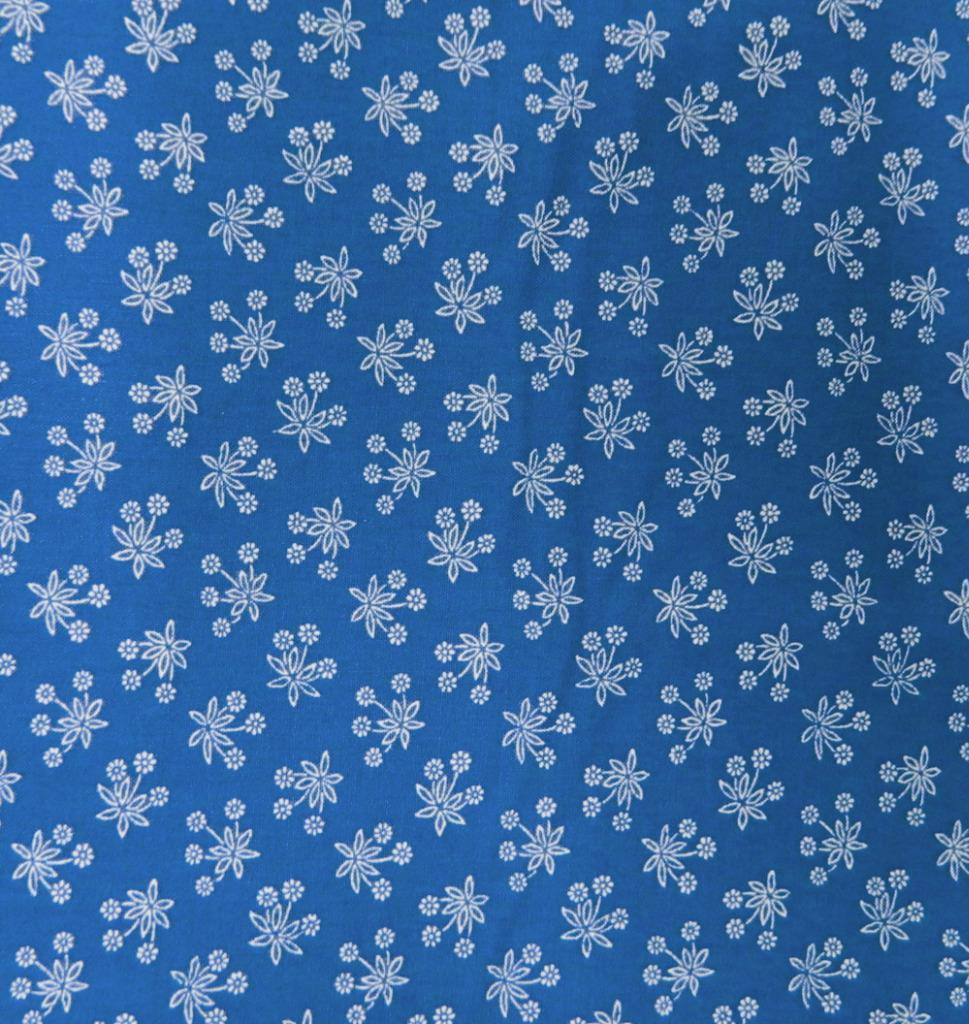Patchwork Quilting Sewing Fabric PERSIAN BLUE White Flowers FQ 50x55cm New Material